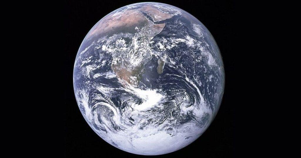 flipfact, flipfacts, flipscience, earth, the blue marble